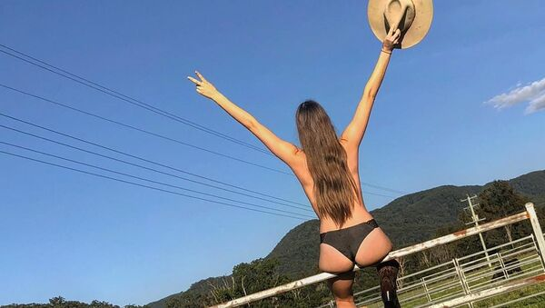 To πρότζεκτ «Γυμνός Αγρότης» - Sputnik Ελλάδα