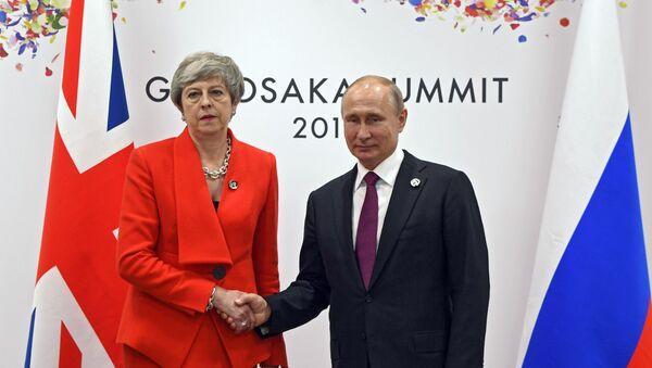 Τερέζα Μέι και Βλαντίμιρ Πούτιν, 28 Ιουνίου 2019 - Sputnik Ελλάδα