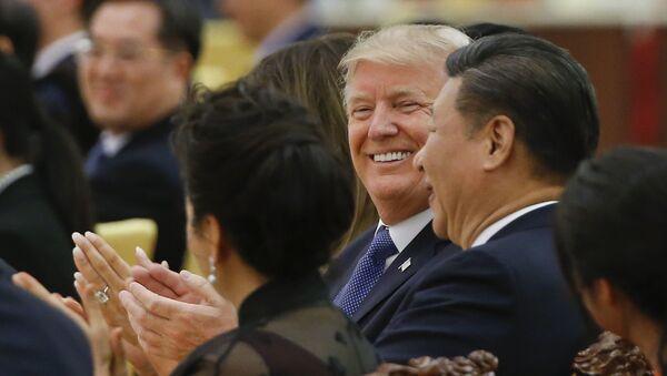 Ο Αμερικανός πρόεδρος Ντόναλντ Τραμπ και ο Κινέζος ομόλογός του Σι Τζινπίνγκ  - Sputnik Ελλάδα