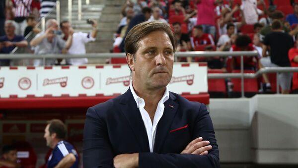 Ο Πέδρο Μαρτίνς στο Ολυμπιακός - Πλζεν 4-0 - Sputnik Ελλάδα