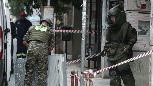 Το Τάγμα Εκκαθάρισης Ναρκοπεδίων Ξηράς απομάκρυνε τη χειροβομβίδα - Sputnik Ελλάδα