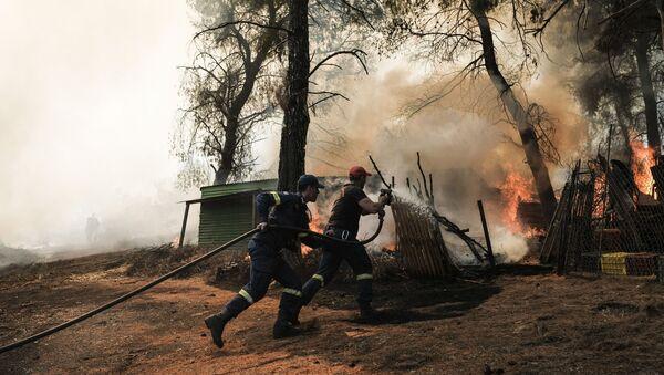 Συνεχίζεται για δεύτερη ημέρα η πυρκαγιά στην Εύβοια - Sputnik Ελλάδα