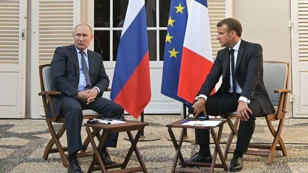 Συνάντηση Πούτιν - Μακρόν στη Γαλλία.  - Sputnik Ελλάδα