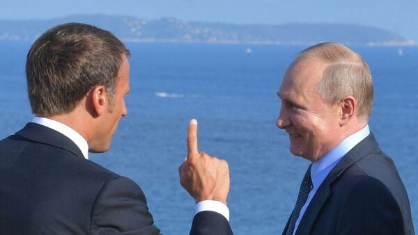 Στιγμιότυπο από την επίσκεψη Πούτιν στη Γαλλία. - Sputnik Ελλάδα