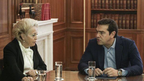 Ο Αλέξης Τσίπρας με την Βασιλική Θάνου - Sputnik Ελλάδα