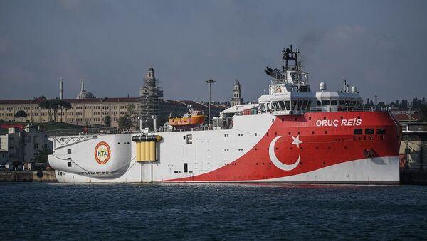 Το τουρκικό σεισμογραφικό ερευνητικό σκάφος Oruc Reis - Sputnik Ελλάδα