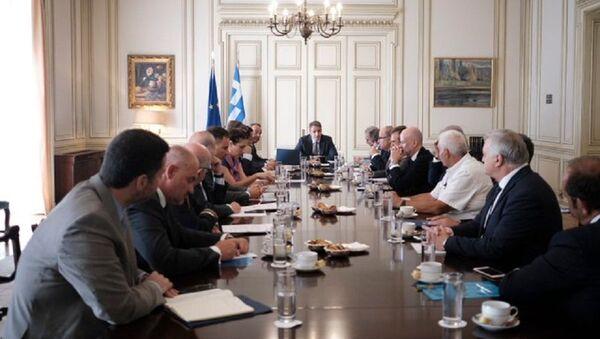 Ο Κυριάκος Μητσοτάκης σε συνάντηση με τους κοινωνικούς εταίρους - Sputnik Ελλάδα