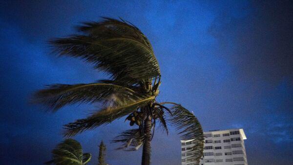 Ο τυφώνας Ντόριαν επελαύνει στις Μπαχάμες.  - Sputnik Ελλάδα