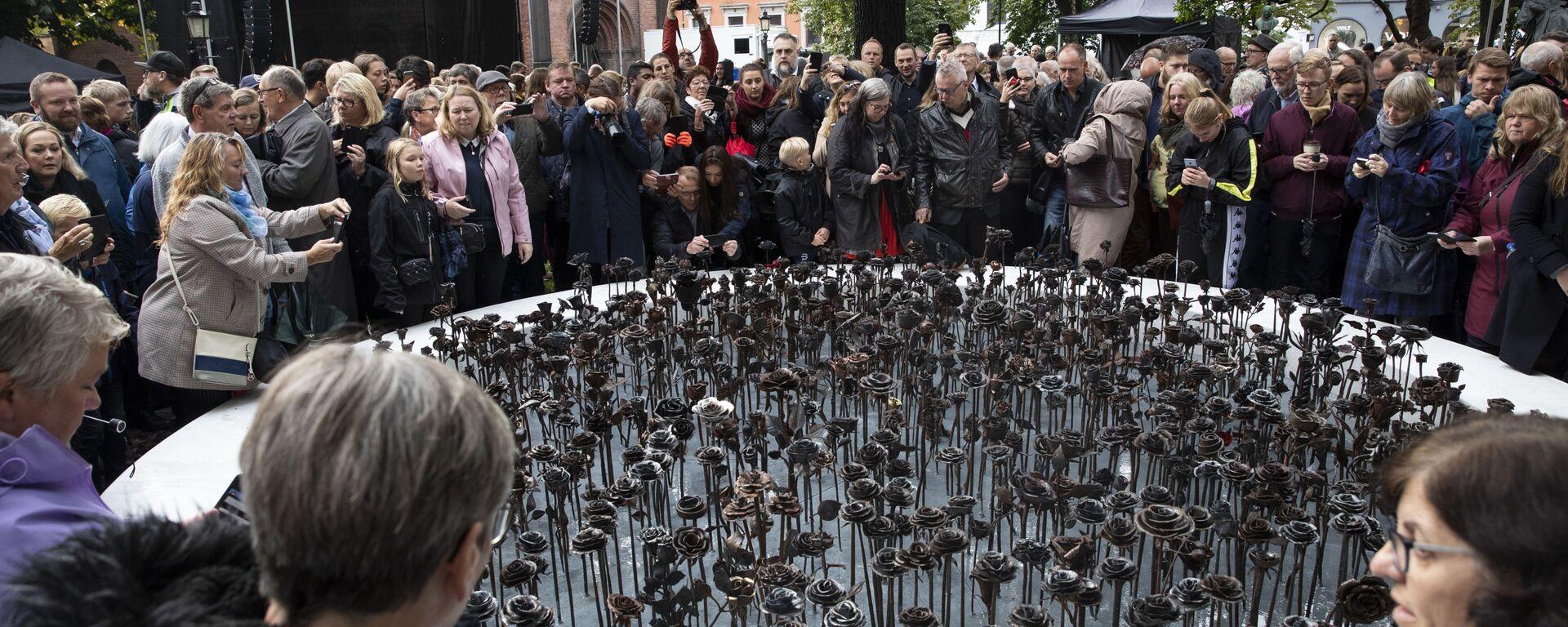 Το μνημείο για τα θύματα της σφαγής που διέπραξε ο Μπρέιβικ στο Όσλο το 2011. - Sputnik Ελλάδα, 1920, 29.09.2019