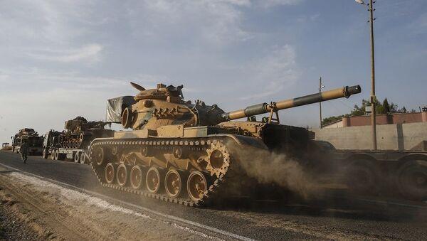 Τουρκικό άρμα μάχης κινείται προς τη Συρία - Sputnik Ελλάδα