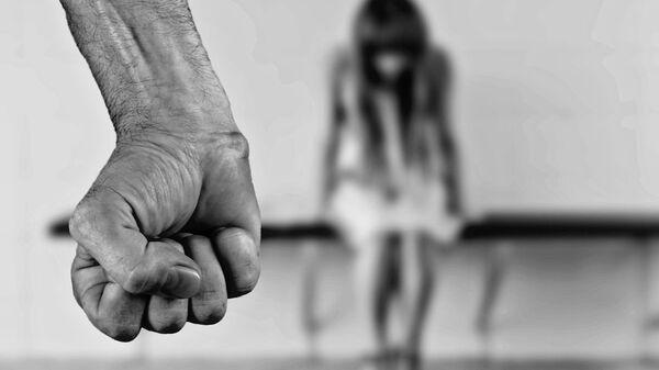 Βιασμός και κακοποίηση - Sputnik Ελλάδα