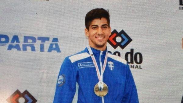 Ο αθλητής του καράτε Στέφανος Ξένος - Sputnik Ελλάδα