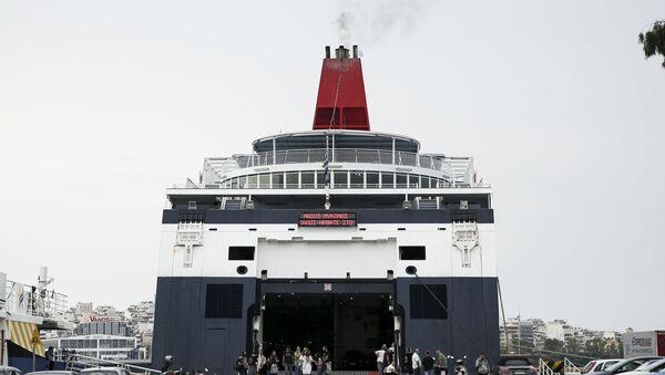 Πλοίο στον Πειραιά. - Sputnik Ελλάδα