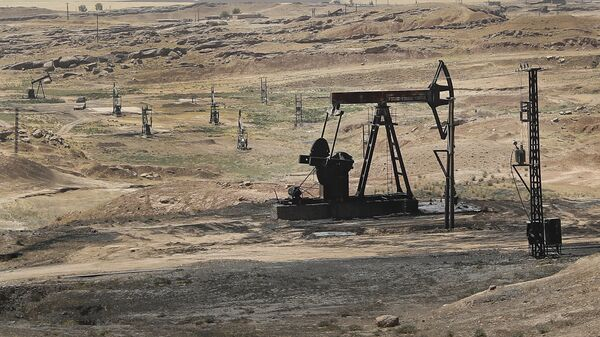 Πετρελαϊκό κοίτασμα στη βόρεια Συρία - Sputnik Ελλάδα