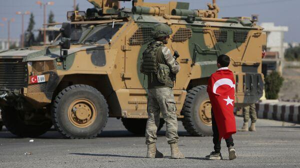 Περιπολίες της Τουρκίας κοντά στα σύνορα με τη Συρία.  - Sputnik Ελλάδα