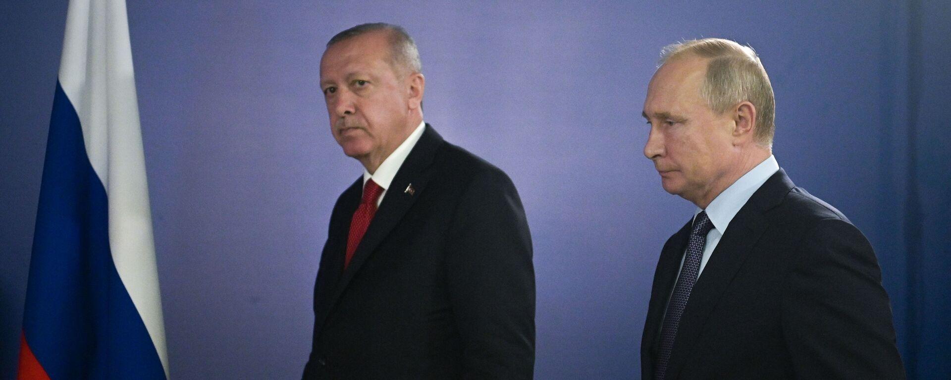 Ο Βλαντιμίρ Πούτιν και ο Ρετζέπ Ταγίπ Ερντογάν. - Sputnik Ελλάδα, 1920, 04.08.2021