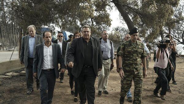 Επίσκεψη του Πάνου Καμμένου στις πυρόπληκτες περιοχές της Ανατολικής Αττικής - Sputnik Ελλάδα