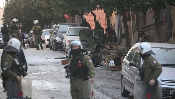 Τρiπλή επιχείρηση εκκένωσης καταλήψεων στο Κουκάκι - Sputnik Ελλάδα