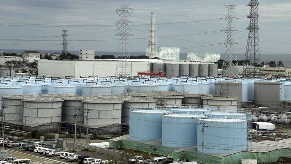Οι δεξαμενές με το ραδιενεργό νερό στην Ιαπωνία - Sputnik Ελλάδα