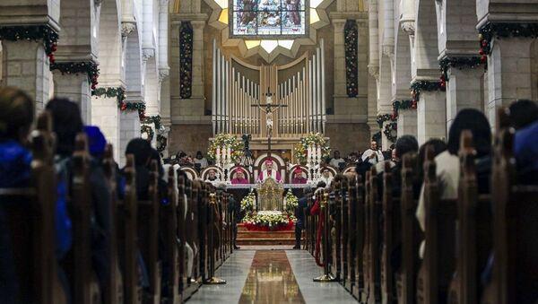 Ο Πατριάρχης της Ιερουσαλήμ στην Εκκλησία της Βηθλεέμ - Sputnik Ελλάδα