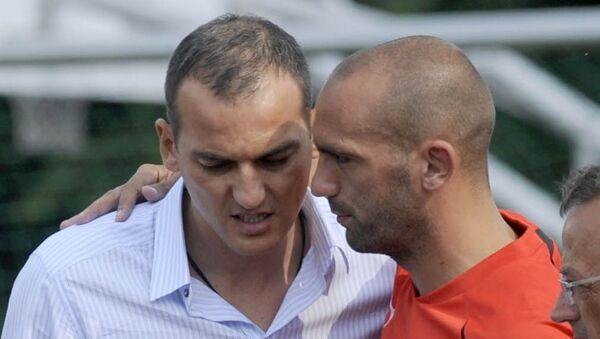 Αριστερά ο Ντάρκο Κοβάσεβιτς με τον Ραούλ Μπράβο - Sputnik Ελλάδα