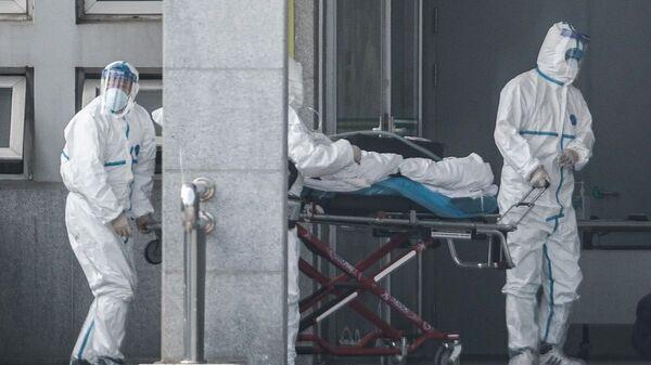 Ιατρικό προσωπικό στην πόλη Γουχάν της Κίνας - Sputnik Ελλάδα