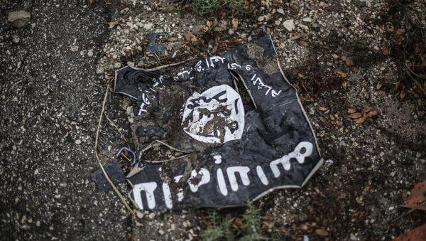 H σημαία του Ισλαμικού Κράτους στη Λατάκεια του Ιράκ - Sputnik Ελλάδα