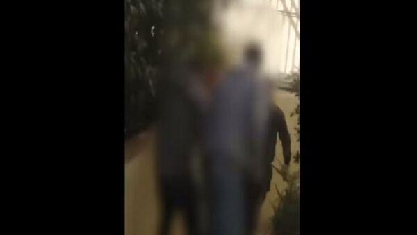 Νέο βίντεο με τον αστυνομικό που έβγαλε όπλο στην ΑΣΟΕΕ - Sputnik Ελλάδα