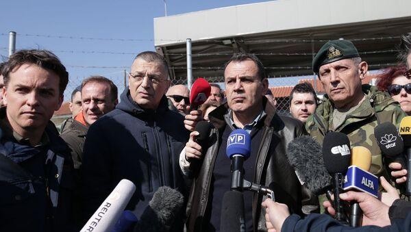 Ο υπουργός και ο υφυπουργός Άμυνας Νίκος Παναγιωτόπουλος και Αλκιβιάδης Στεφανής στις Καστανιές Έβρου - Sputnik Ελλάδα