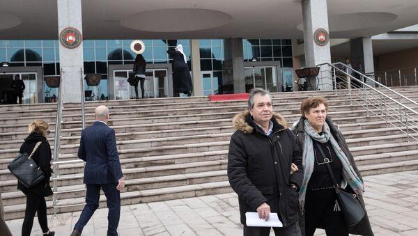 Οι γονείς του Δημήτρη Κούκλατζη στο δικαστικό μέγαρο της Ανδριανούπολης - Sputnik Ελλάδα