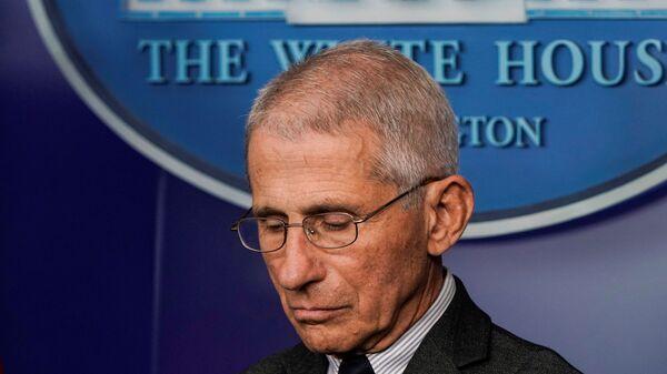 Ο Άντονι Φάουτσι, διευθυντής του Εθνικού Ινστιτούτου Αλλεργιών και Μεταδιδόμενων Ασθενειών ΗΠΑ - Sputnik Ελλάδα