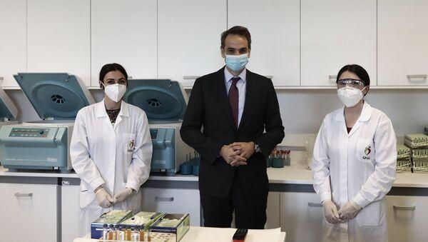 Επίσκεψη του Πρωθυπουργού Κυριάκου Μητσοτάκη στο Εθνικό Κέντρο Αιμοδοσίας, στην Αθήνα, 15 Απριλίου, 2020 - Sputnik Ελλάδα