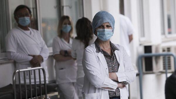 Γιατροί και νοσηλευτές στο Νοσοκομείο Ευαγγελισμός - Sputnik Ελλάδα