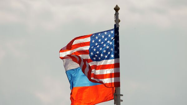 Οι σημαίες της Ρωσίας και των ΗΠΑ - Sputnik Ελλάδα