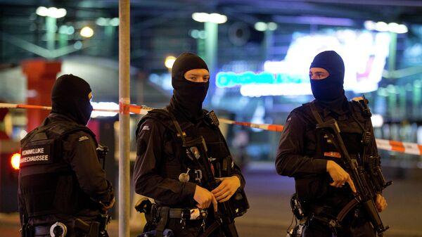 Πάνοπλοι αστυνομικοί στην Ολλανδία - Sputnik Ελλάδα
