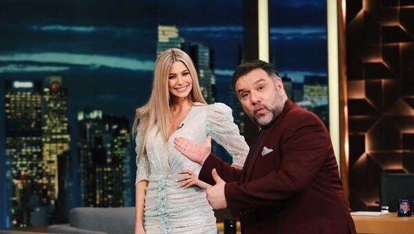 Η Βάλια Χατζηθεοδώρου και ο Γρηγόρης Αρναούτογλου στην εκπομπή «The 2Night Show» (ΑΝΤ1), 28 Μαΐου 2020 - Sputnik Ελλάδα