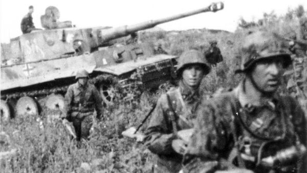 Στρατιώτες των Waffen SS, δίπλα σε τανκ Tiger. Κουρσκ, 1943 - Sputnik Ελλάδα