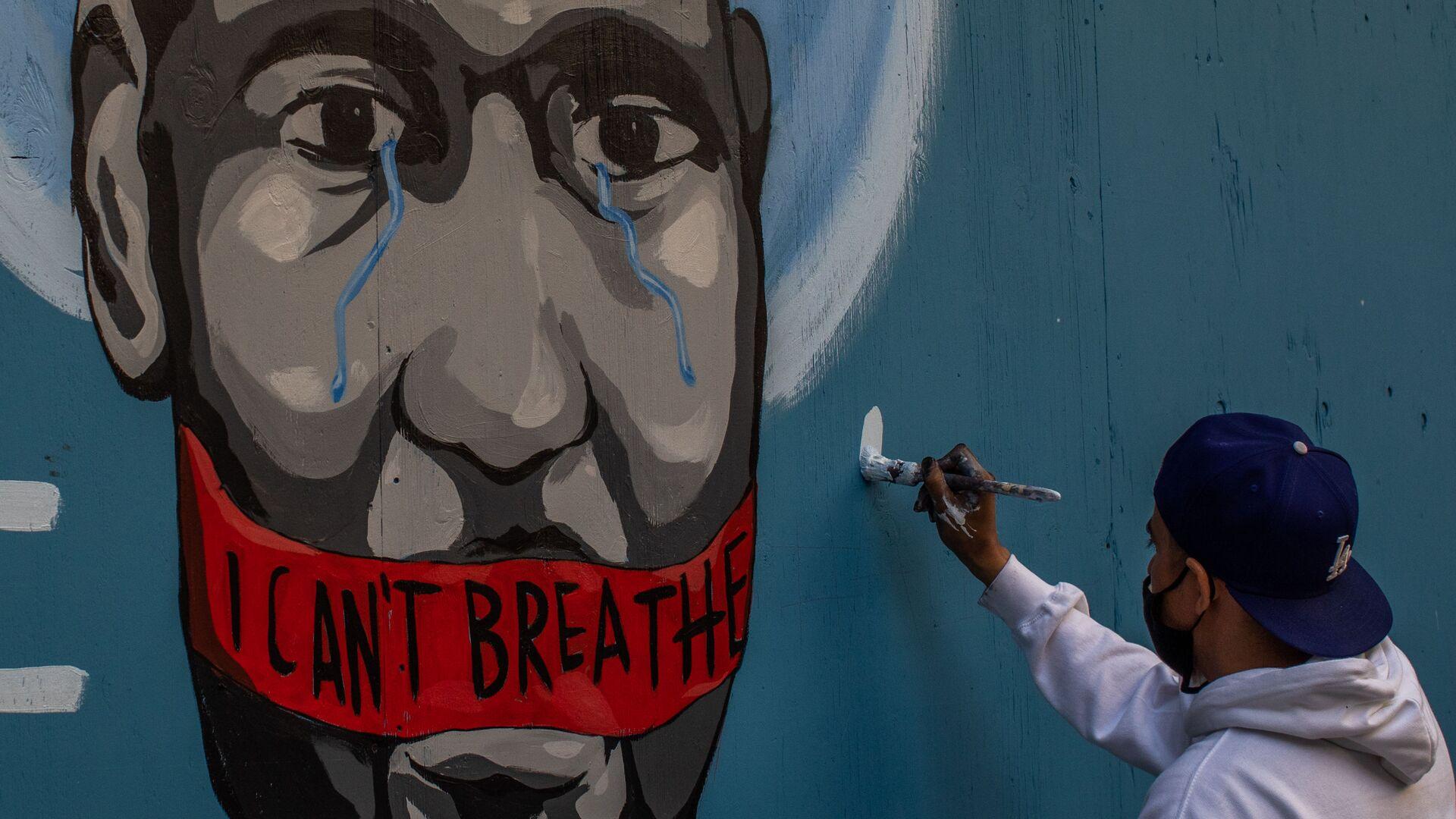 Граффити с изображением убитого полицейским афроамериканца Джорджа Флойда в Лос-Анджелесе - Sputnik Ελλάδα, 1920, 03.10.2021