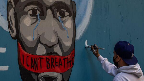 Граффити с изображением убитого полицейским афроамериканца Джорджа Флойда в Лос-Анджелесе - Sputnik Ελλάδα