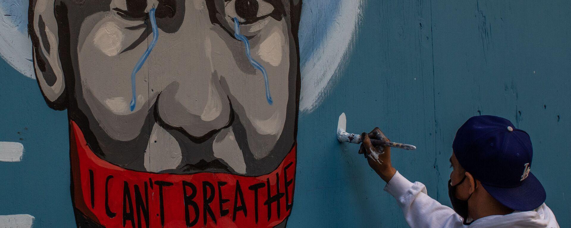 Граффити с изображением убитого полицейским афроамериканца Джорджа Флойда в Лос-Анджелесе - Sputnik Ελλάδα, 1920, 25.05.2021