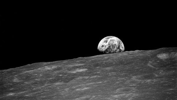 Γη και Σελήνη - Sputnik Ελλάδα
