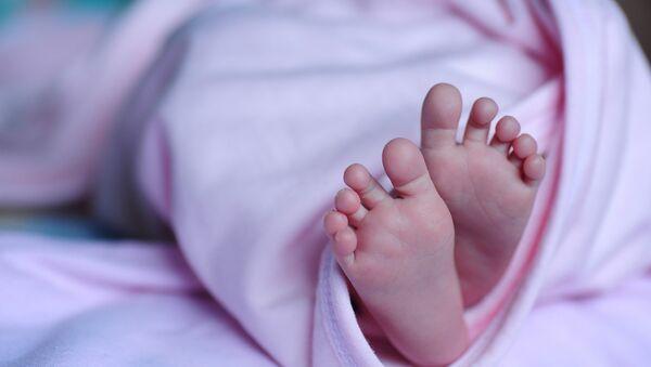 Πατούσες μωρού - Sputnik Ελλάδα
